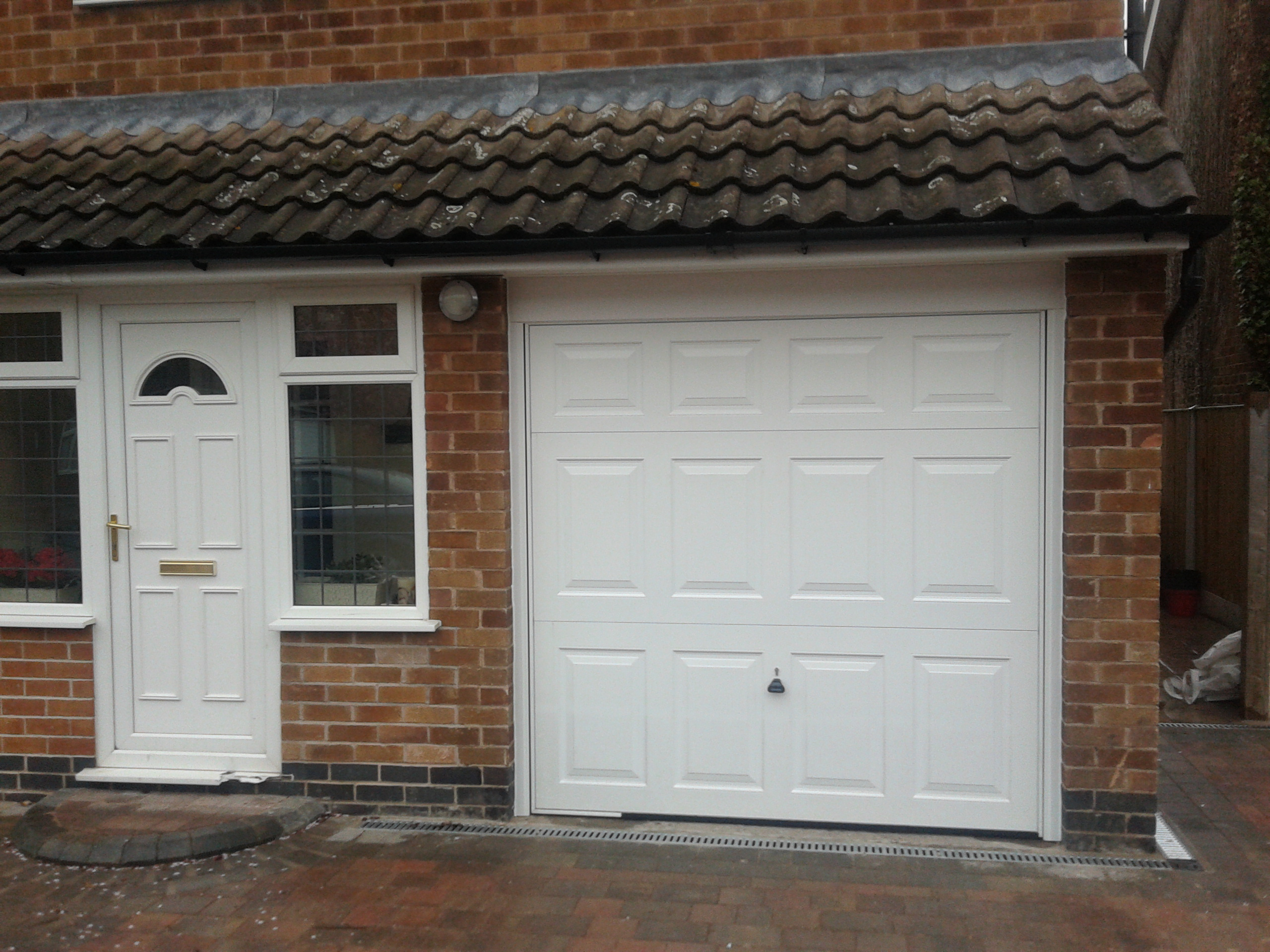 Canopy Garage Doors : White canopy garage door in nottingham