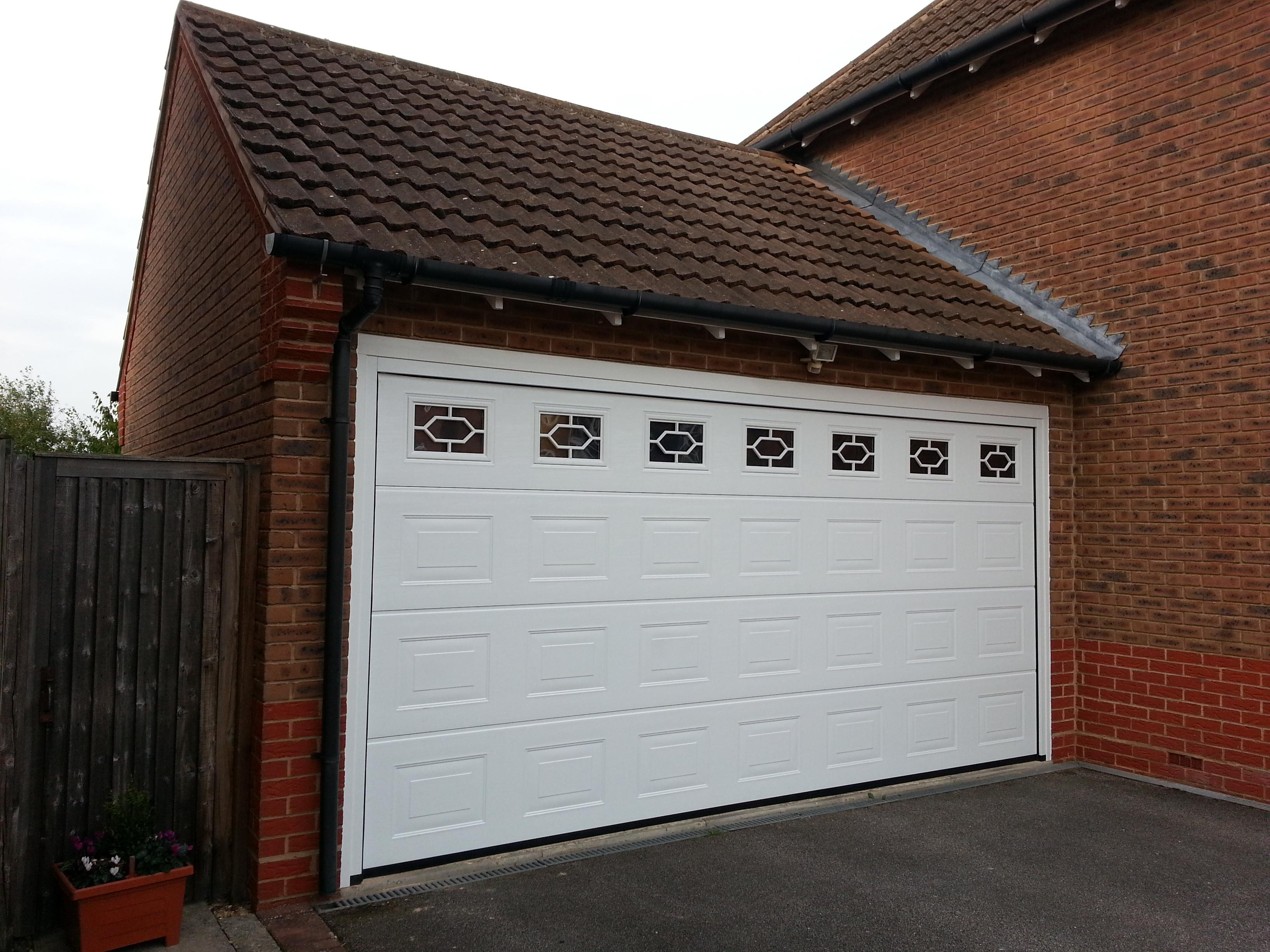 2448 #67402F  Door Stamford – Automatic Sectional Garador – Garage Door Company image Garage Doors Company 35833264