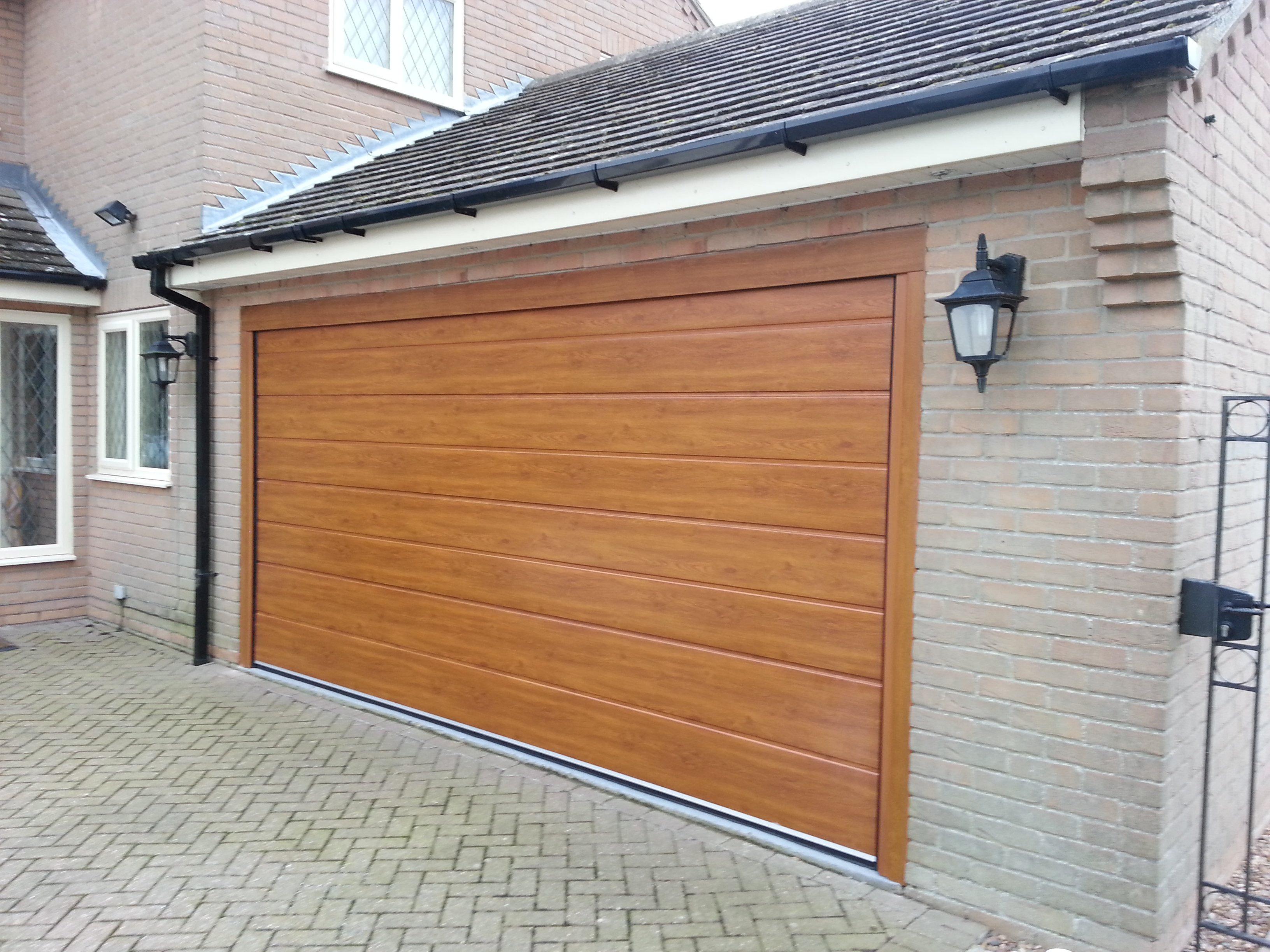 New insulated garage door grantham east midlands for Garage doors uk